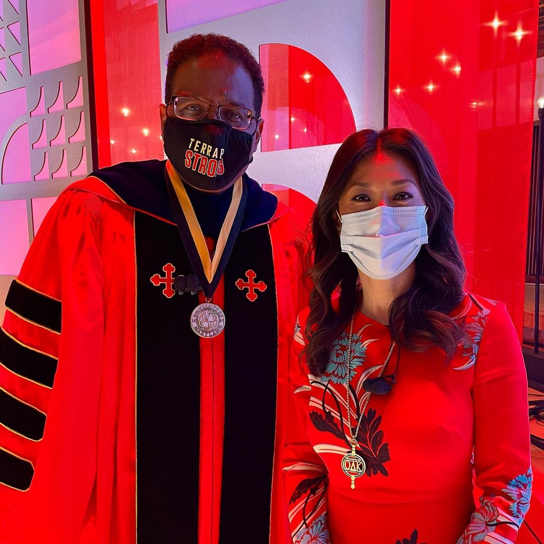 Eun Yang's Social Post with President Pines